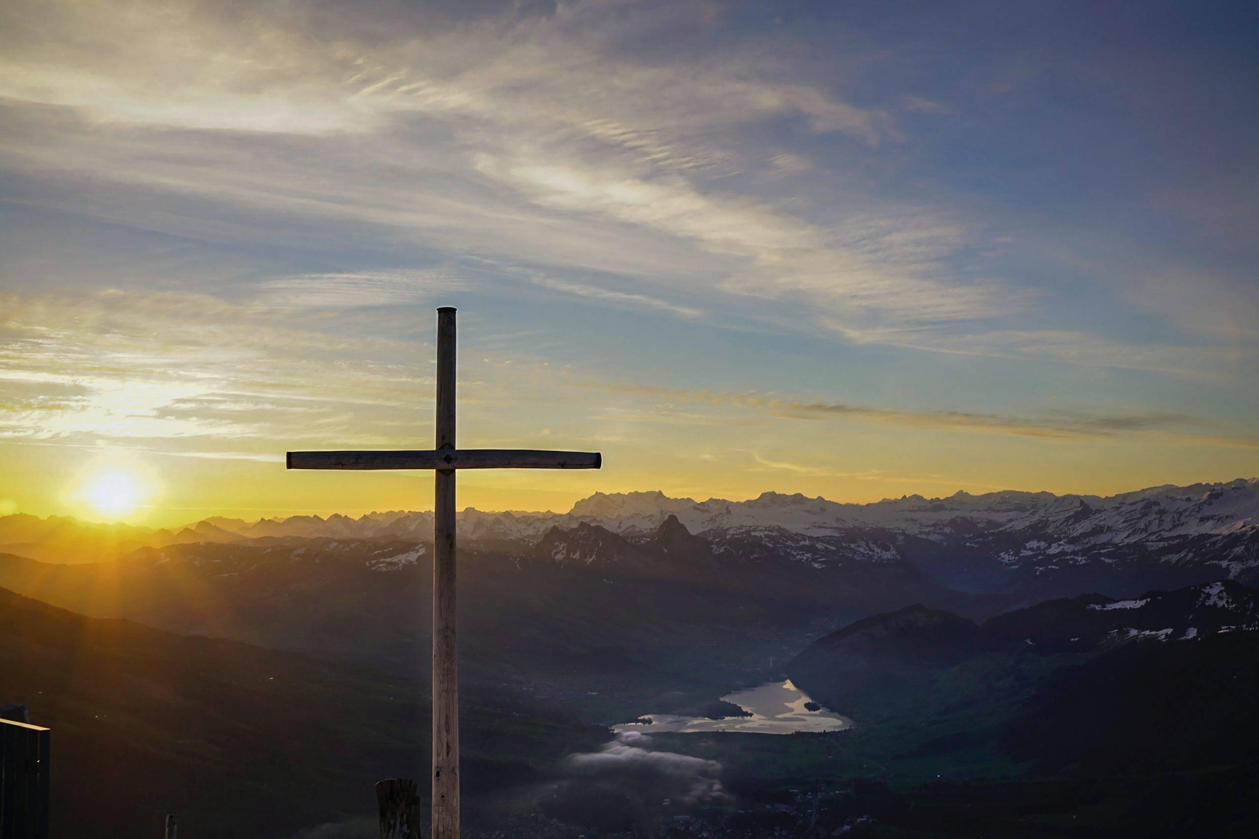 Kereszténység, középkori bölcselet, teológiai viták; Patrisztika: Szent Ágoston, Skolasztika: Aquinói Szent Tamás